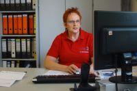 Ursula Oberhaeusser, Einzelhandelskauffrau, Buero und Verkauf